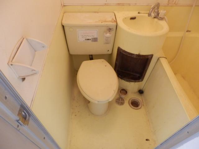 ジュネパレス田久保 201号室のトイレ