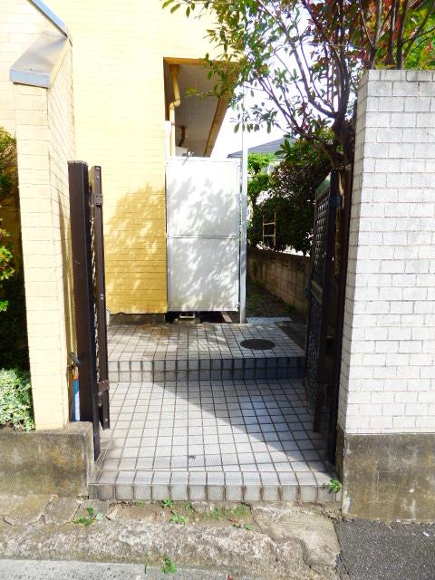 ジュネパレス津田沼第20 104号室のエントランス