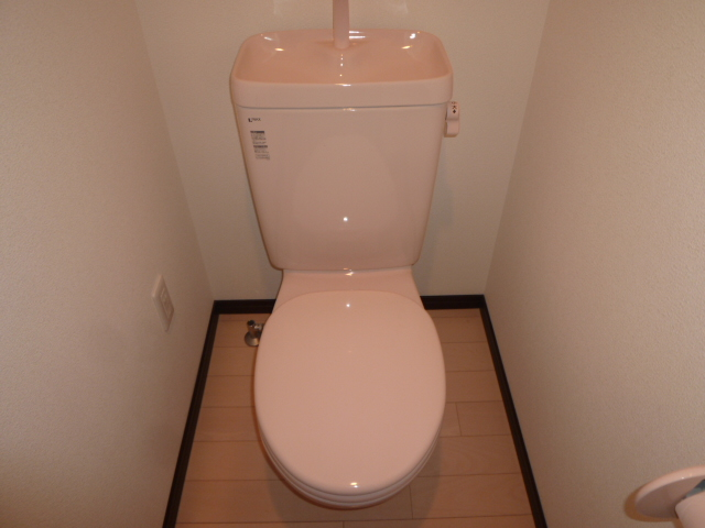 KANENARI和光前原 101号室のトイレ