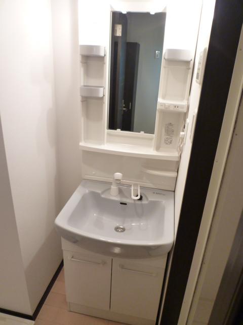 KANENARI和光前原 101号室の洗面所