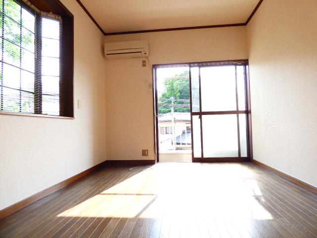 コーポ芝田 302号室の居室