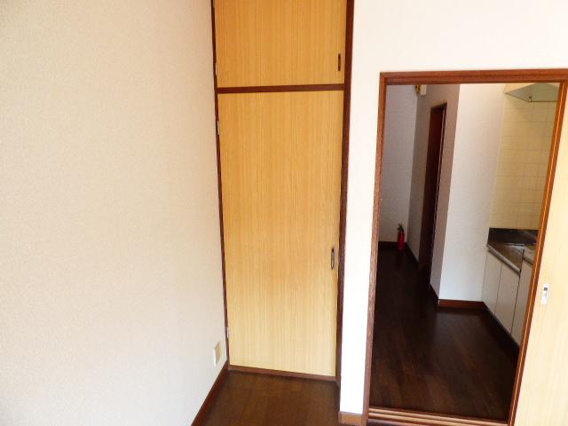 コーポ芝田 302号室の収納