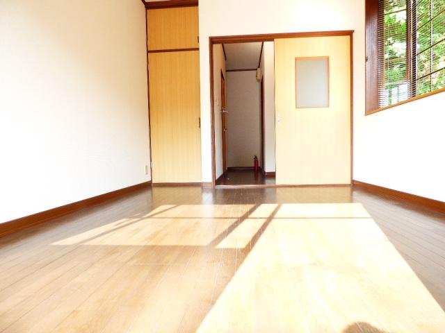 コーポ芝田 302号室のリビング