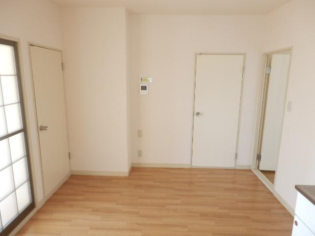 グレース田喜野井 Ⅱ番館 101号室のリビング