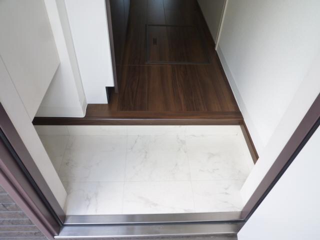 サンライズ津田沼Ⅲ 201号室の玄関