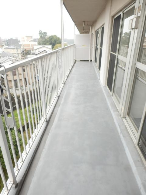 津田沼スカイハイツ 807号室のバルコニー