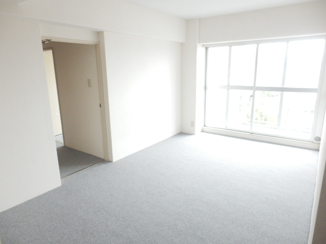 津田沼スカイハイツ 807号室のリビング