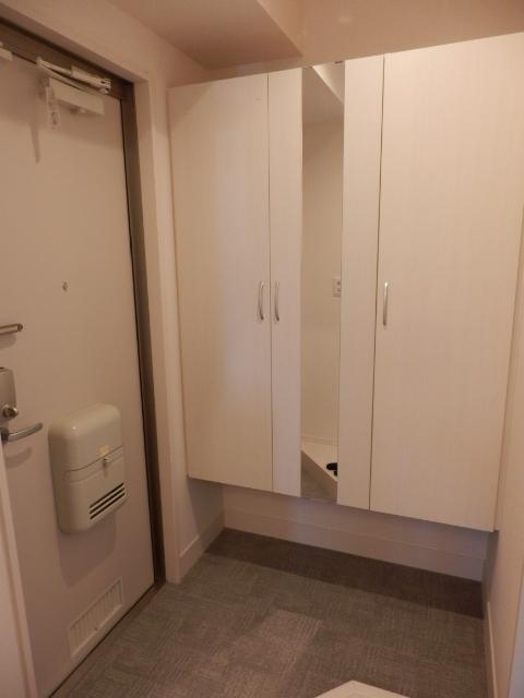 メルベーユ 101号室の玄関