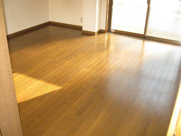 エルム日吉 102号室の居室