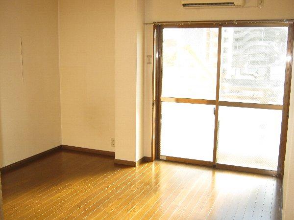 エルム日吉 102号室のバルコニー
