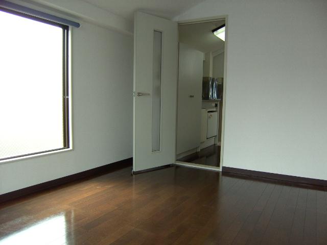クレセントハウスⅡ 306号室のリビング