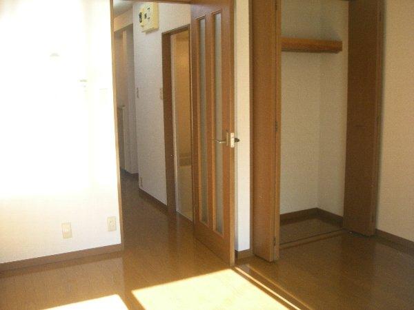 ハイツラフィネ 102号室のリビング