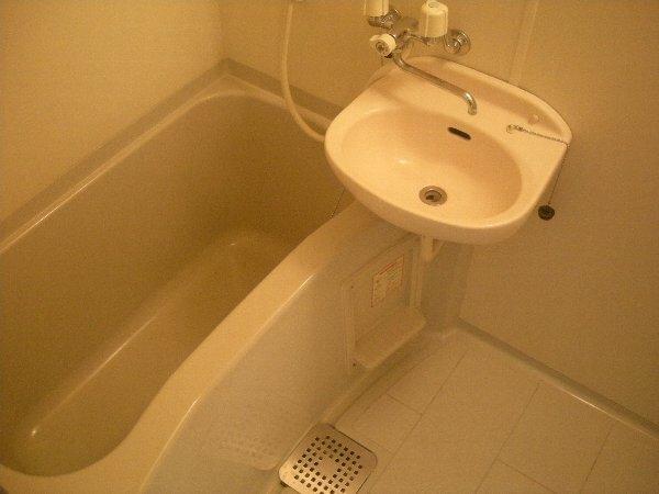 ハイツラフィネ 102号室の風呂
