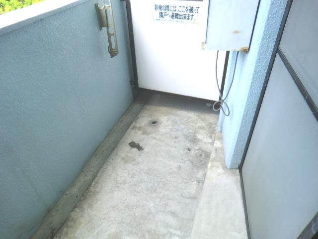メゾン・ド・コンフォール 221号室のバルコニー