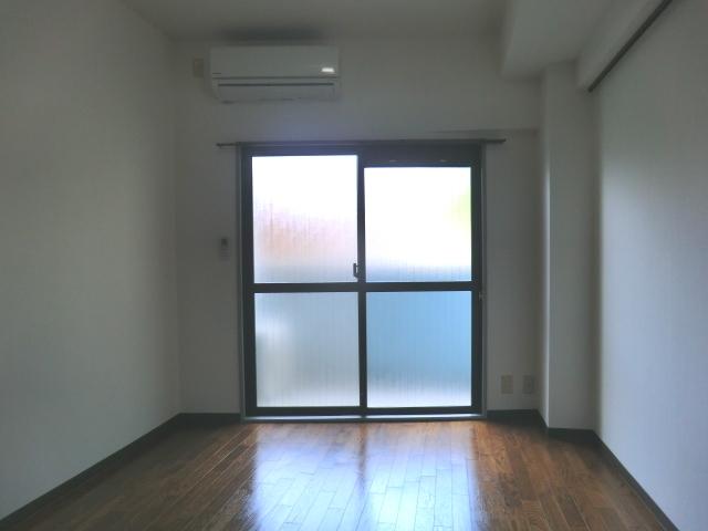 メゾン・ド・コンフォール 221号室のリビング