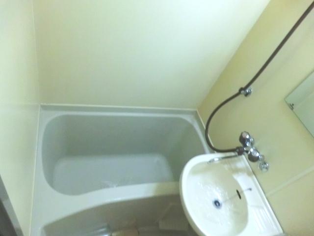 メゾン・ド・コンフォール 221号室の風呂