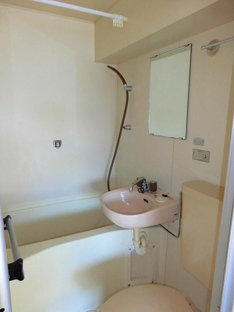 アーバンポイント守山 301号室の風呂