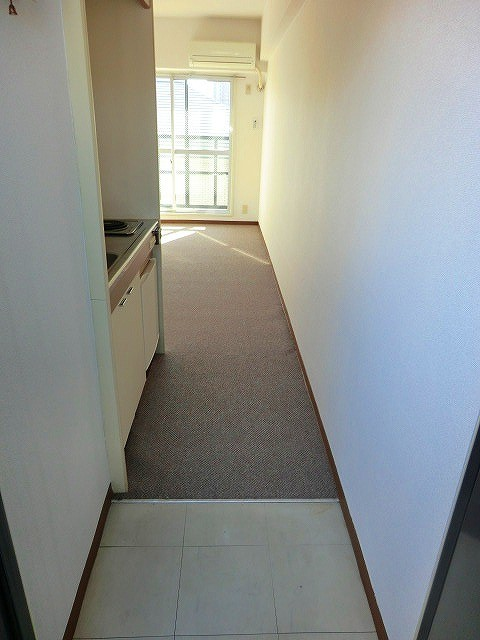 アーバンポイント守山 301号室の玄関