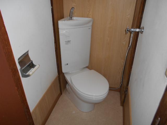 山下ハイツ 201号室のトイレ