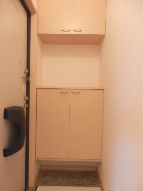 アフロディテ 105号室の玄関