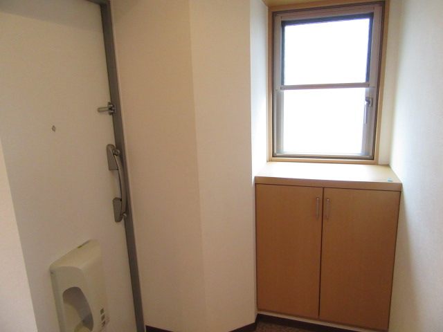 シャルマンⅡ 101号室の玄関