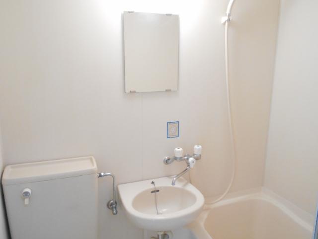 DRホームズ杉並桃井 201号室の洗面所