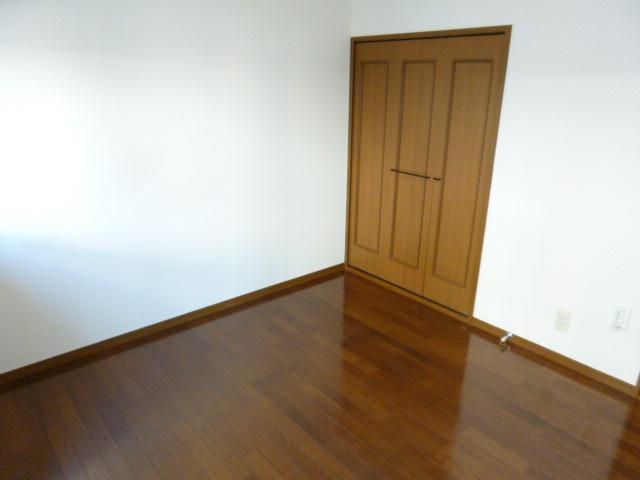未貴ハイムABC棟 A102号室のリビング