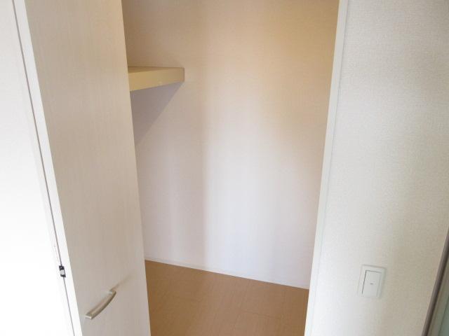 ディアコート鹿放ヶ丘 306号室の収納
