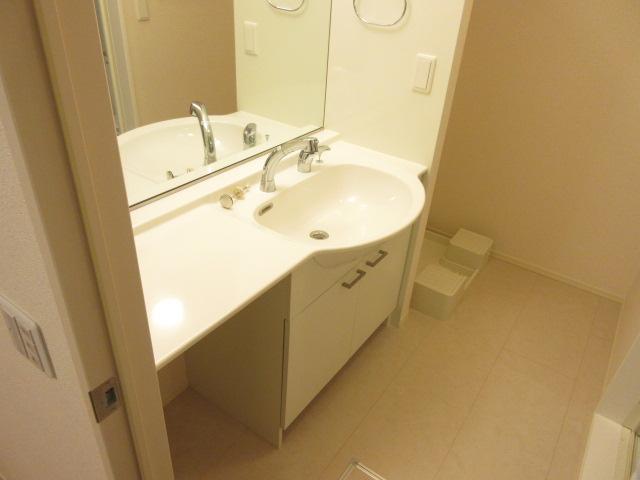 ディアコート鹿放ヶ丘 306号室の洗面所