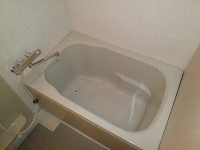 コーポラス小山 302号室の風呂