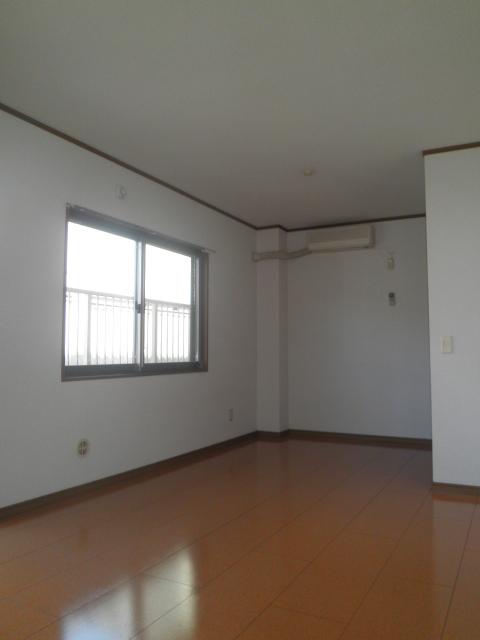 コーポラス小山 302号室の居室