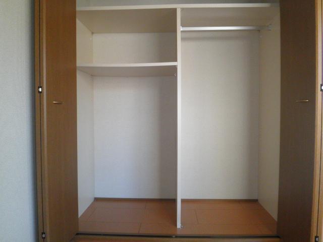 コーポラス小山 302号室の収納