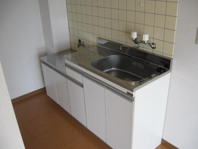 コーポラス小山 301号室のキッチン