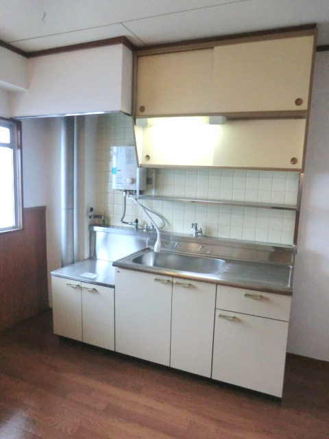 中村ハイツ 105号室のキッチン