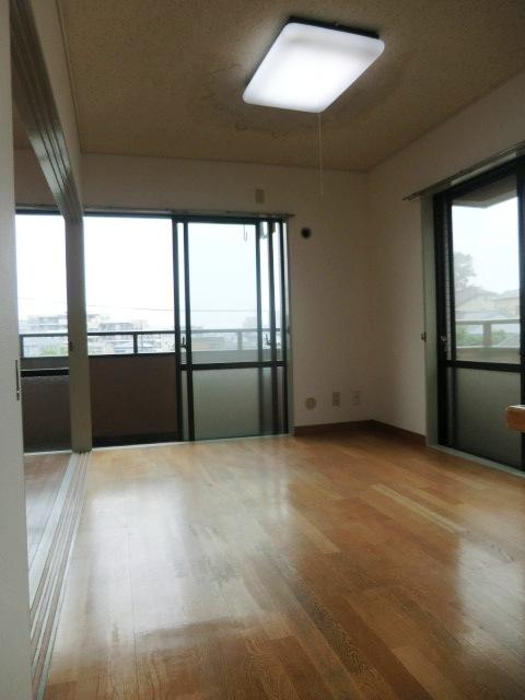 メゾンクレール 303号室の居室