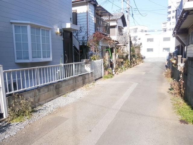 品田ハイツ 201号室の外観2