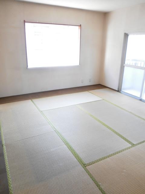 品田ハイツ 201号室の居室