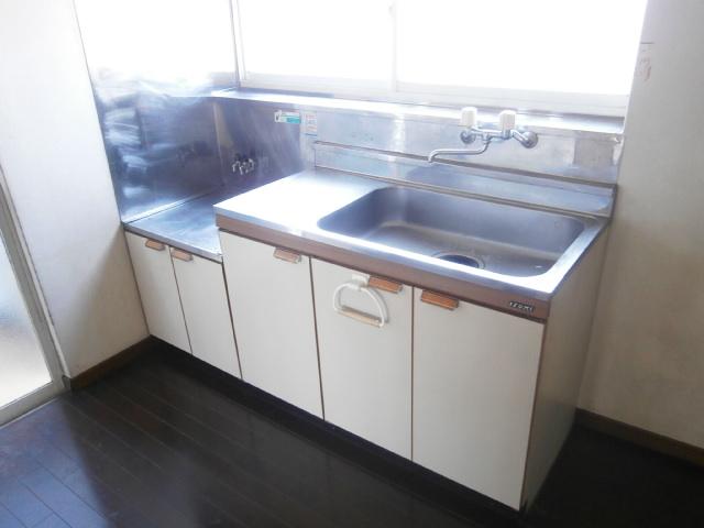 品田ハイツ 201号室のキッチン