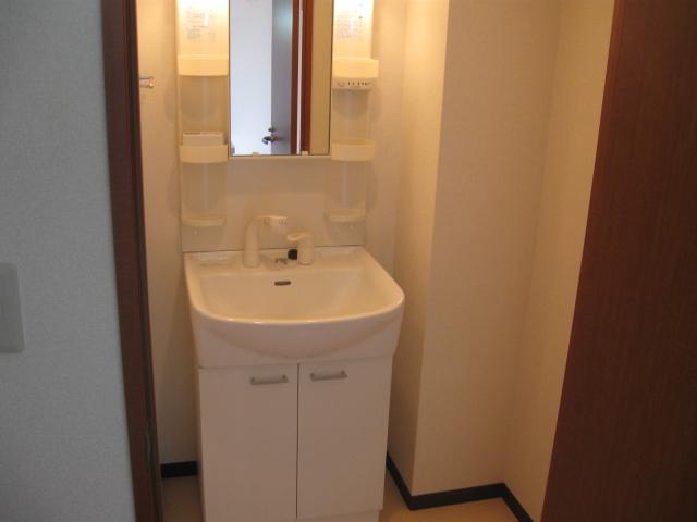 ピュアステージ南浦和 204号室の洗面所