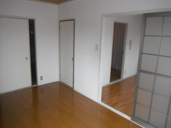 ファームハイツA 205号室の居室