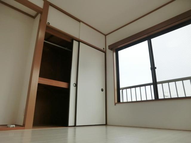 マンシオーネKT 301号室の収納
