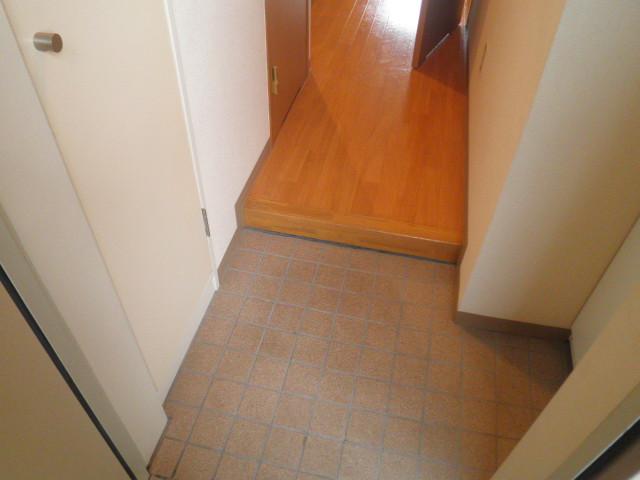 ル・モンヴェール 205号室の玄関