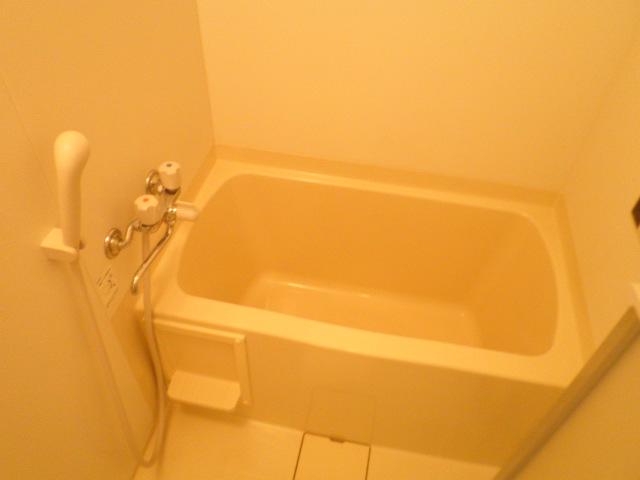 ル・モンヴェール 205号室の風呂