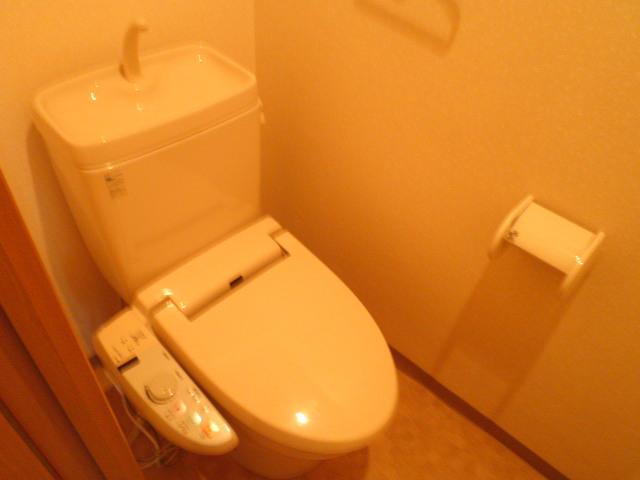 ル・モンヴェール 205号室のトイレ