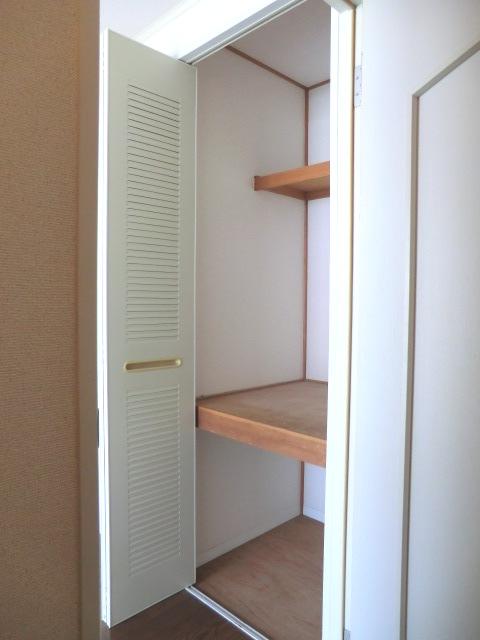 グランディール富士 3-201号室の収納