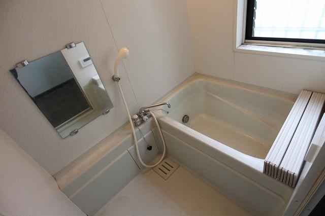 西ハウスの風呂
