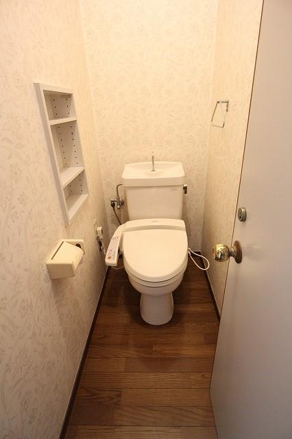 西ハウスのトイレ
