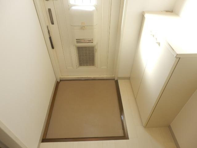 Fountain Hill 206号室の玄関