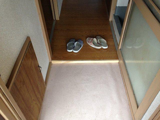 第2里美荘 202号室の玄関