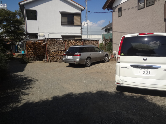 山根荘 205号室の駐車場